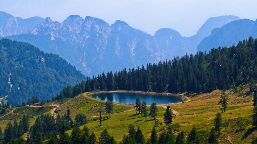 hình nền phong cảnh thiên nhiên hồ trên núi