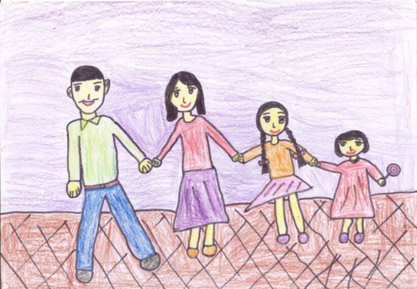 tranh vẽ chủ đề gia đình đơn giản của học sinh