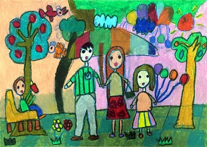tranh vẽ đề tài gia đình đơn giản của học sinh tiểu học