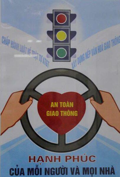 vẽ tranh cổ động chấp hành luật an toàn giao thông
