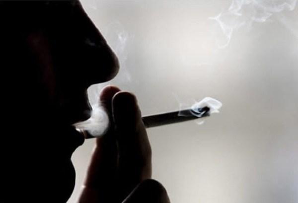 ảnh avatar buồn hút thuốc