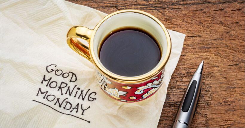 hình ảnh chúc buổi sáng đầy lãng mạn với bút ký và cafe