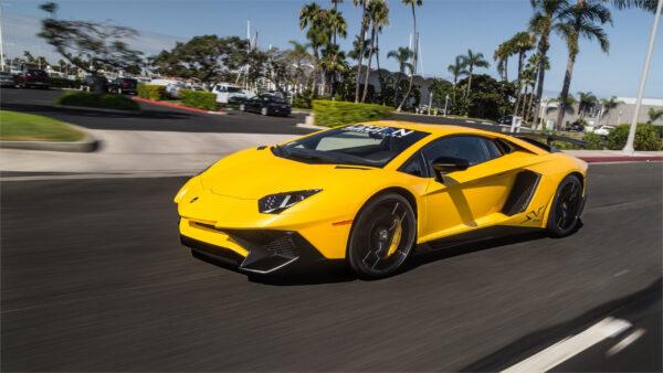 hình nền xe Lamborghini màu vàng