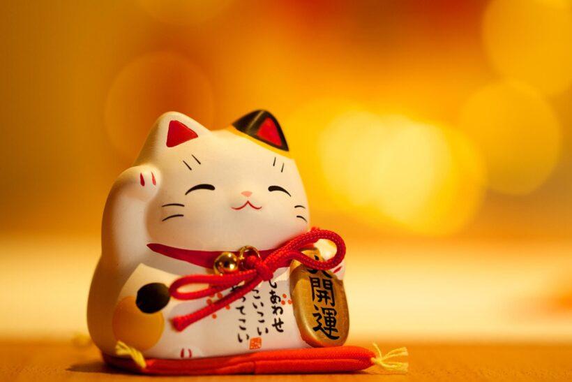 tượng mèo thần tài chúc may mắn tài lộc