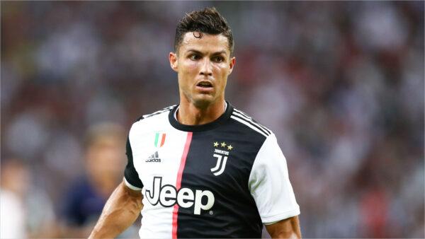 Ảnh nền Ronaldo trong màu áo Juve