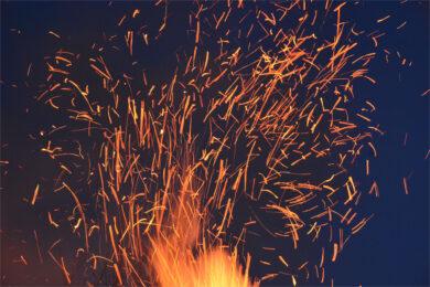 background lửa 4k cháy bùng lên