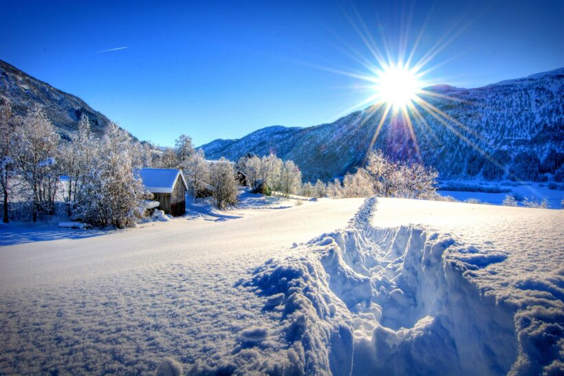 Hình ảnh nền thiên nhiên 4K cảnh núi băng tuyết