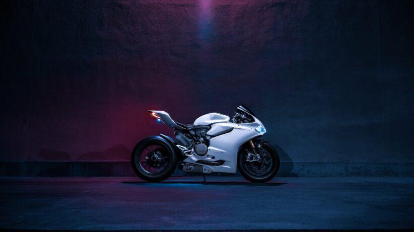 hình nền 4K siêu xe Moto