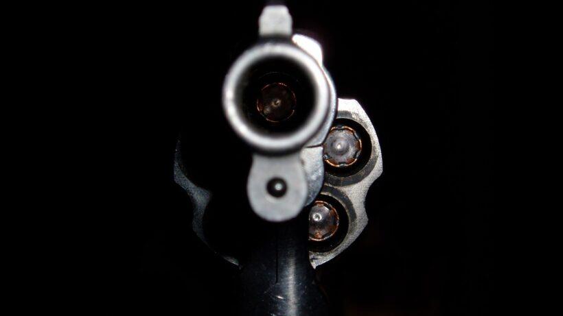 Hình nền đen họng súng