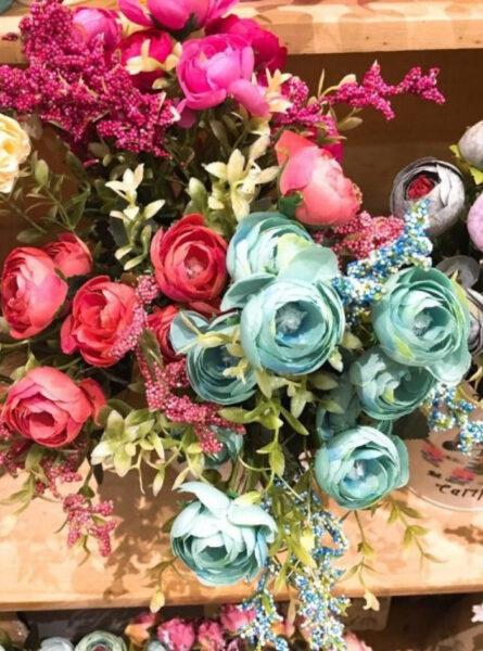 Hình ảnh những bông hoa hồng trứng màu lạ đẹp
