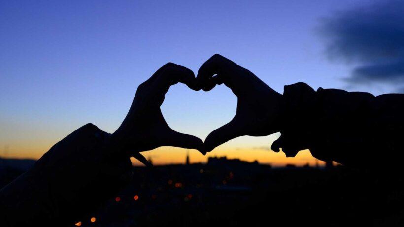 Hình ảnh trái tim lãng mạn