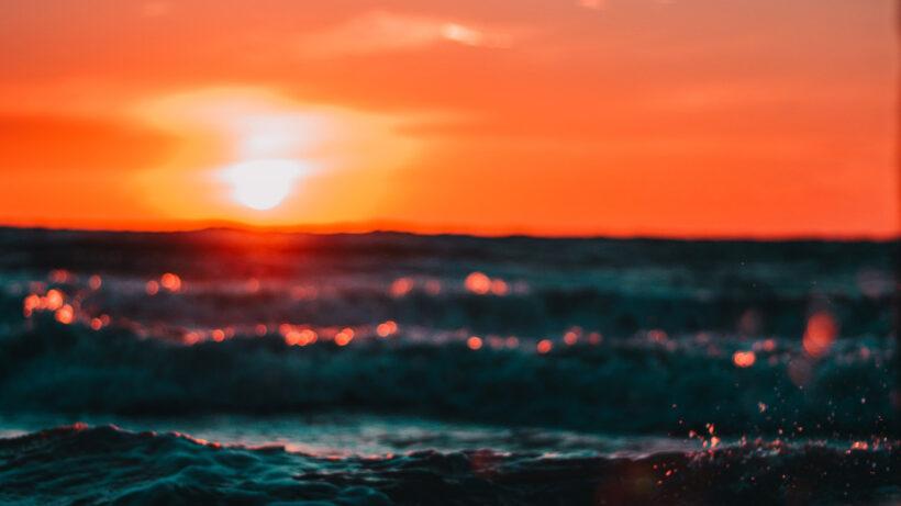 Ảnh hoàng hôn buồn cực đẹp trên biển