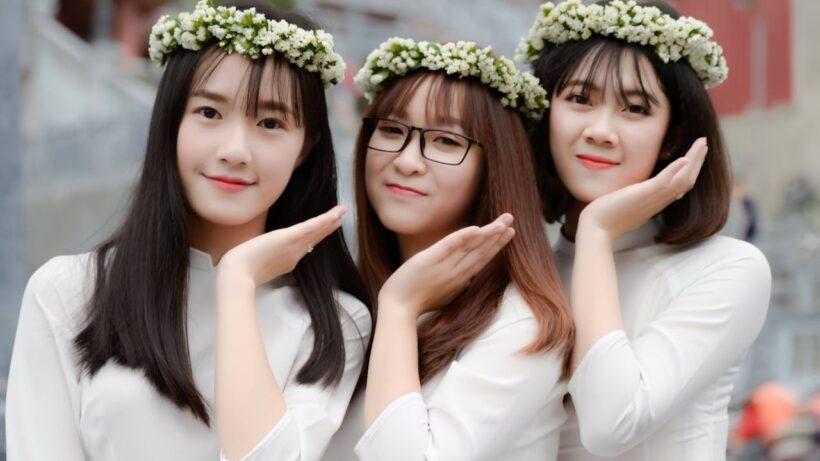 Ảnh kỷ yếu đẹp của 3 nữ sinh