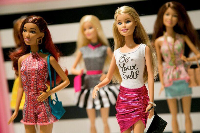 Ảnh nền búp bê barbie dễ thương