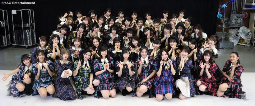 ảnh nhóm nữ ca sĩ Nhật với váy đồng phục kẻ cực đẹp