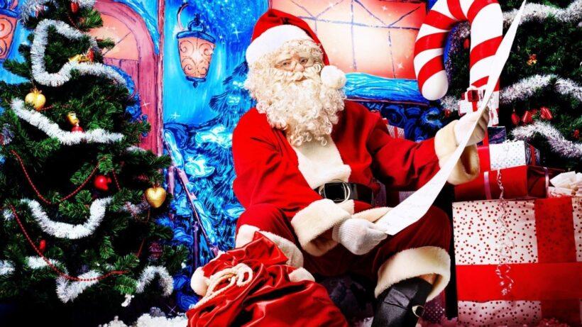 Ảnh ông già Noel, cây thông và hộp quà