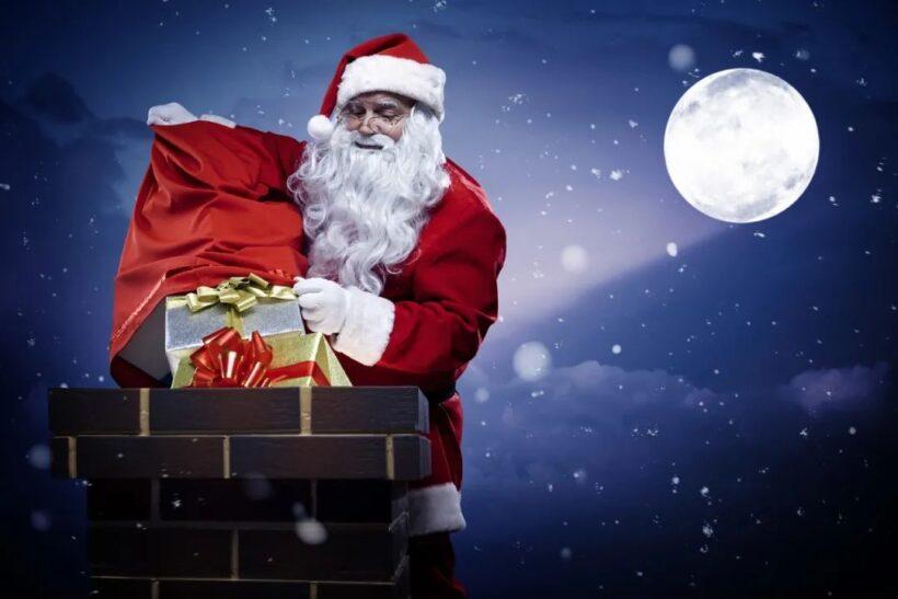 ảnh ông già Noel phát những hộp quà