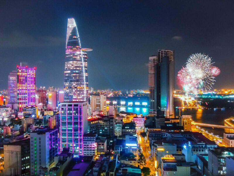 Bức tranh đêm Sài Gòn