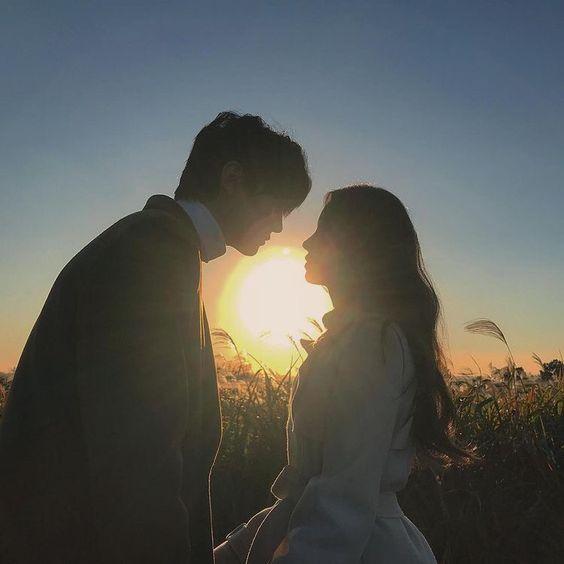 hình ảnh cặp đôi yêu nhau lãng mạn