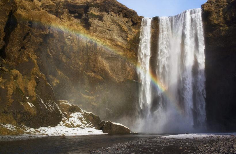 hình ảnh cầu vồng bên thác nước