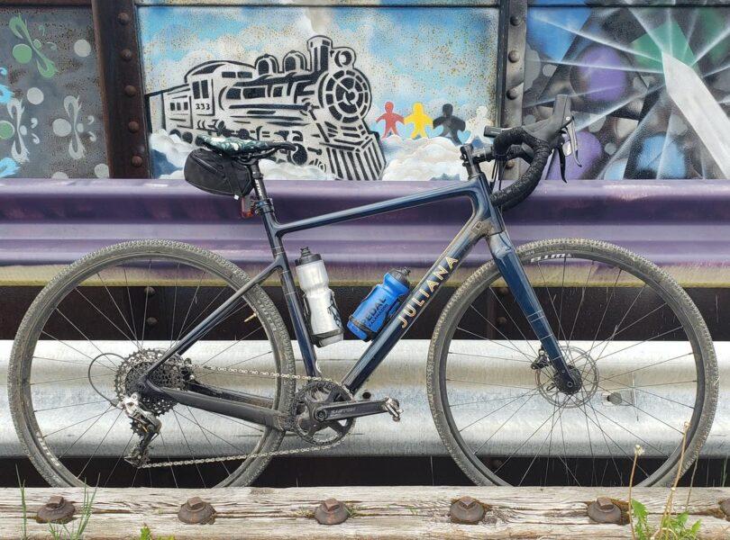 hình ảnh chiếc xe đạp địa hình đường trường