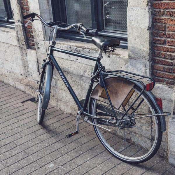 hình ảnh chiếc xe đạp kiểu cũ ngày xưa