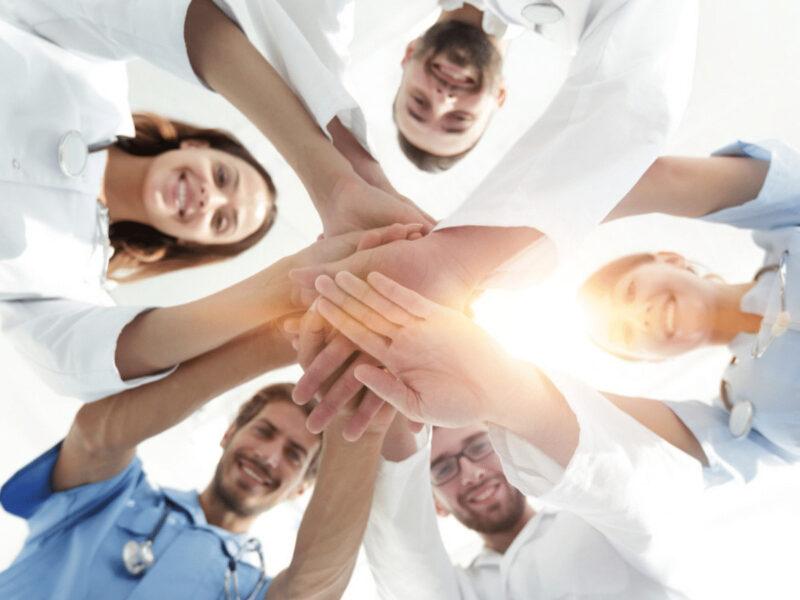 Hình ảnh chung tay hợp tác nhóm
