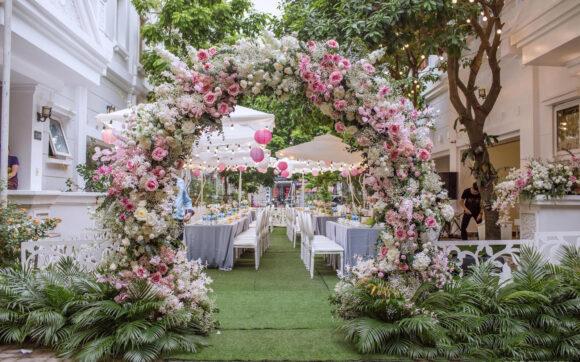 hình ảnh cổng hoa cưới đẹp, lung linh, lãng mạng nhất