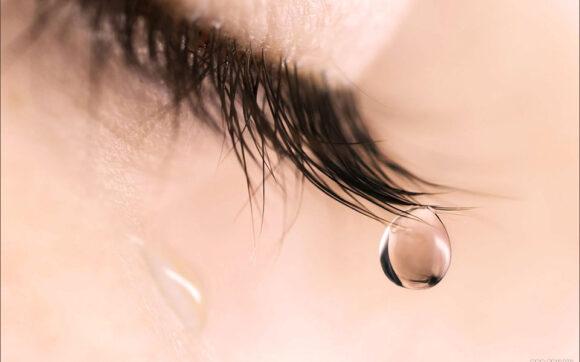 hình ảnh đau khổ nước mắt