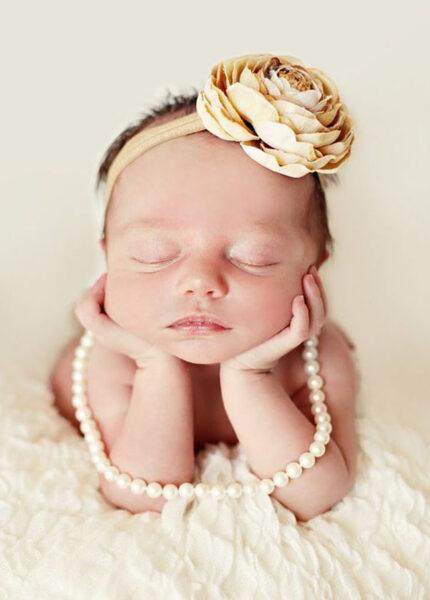 hình ảnh em bé dễ thương điệu đà