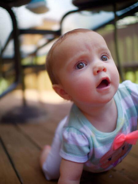 hình ảnh em bé dễ thương và kháu khỉnh