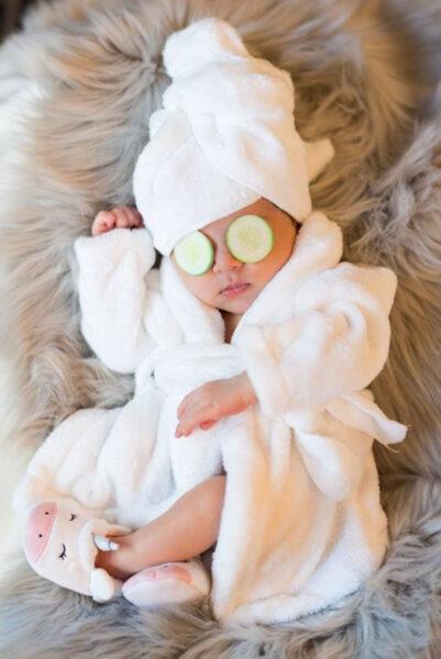 hình ảnh em bé dễ thương và sang chảnh
