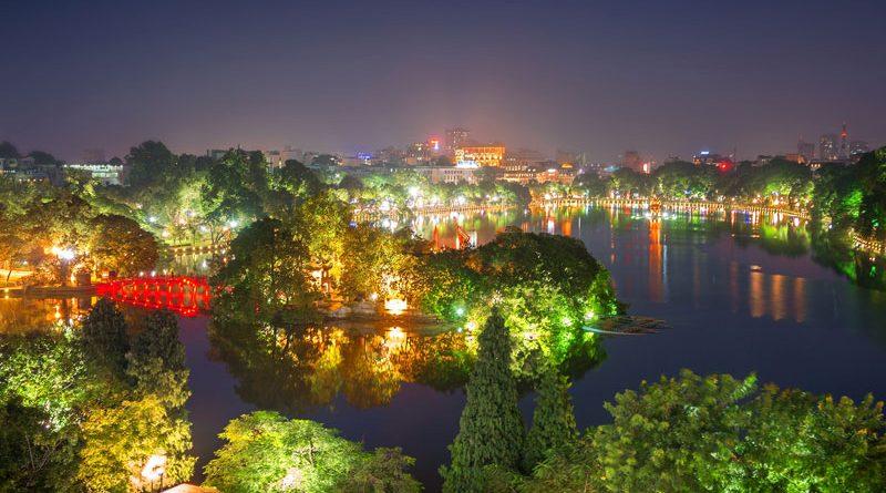 Hình ảnh hồ Gươm Hà nội đẹp lung linh trong ánh đèn