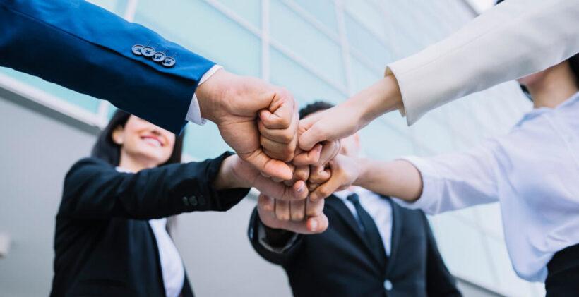 Hình ảnh kỹ năng làm việc nhóm (7)