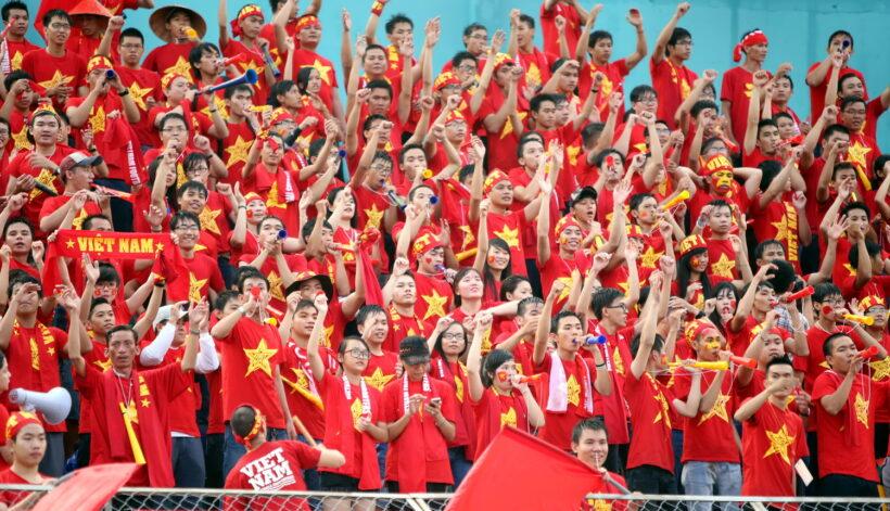 hình ảnh nhóm cổ động viên bóng đá
