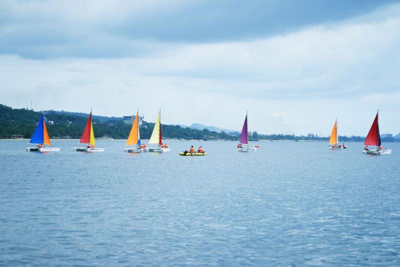 Hình ảnh những thuyền buồm trên biển