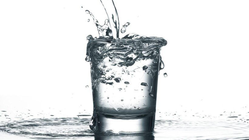 Hình ảnh nước tràn ly
