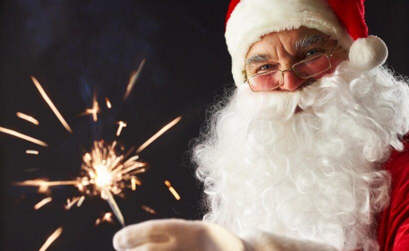 Hình ảnh ông già Noel và pháo sáng