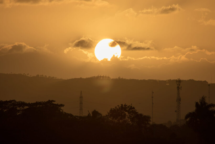 hình ảnh ông mặt trời to lớn