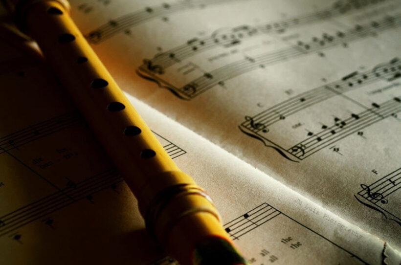 hình ảnh quyển sách âm nhạc