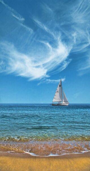 hình ảnh thuyền buồm lênh đênh ngoài biển khơi