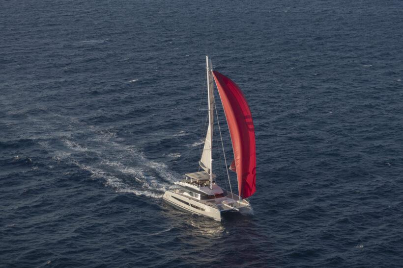 Hình ảnh thuyền buồm và biển