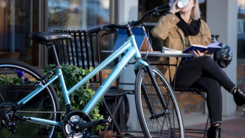 hình ảnh xe đạp evo đẹp thanh thoát