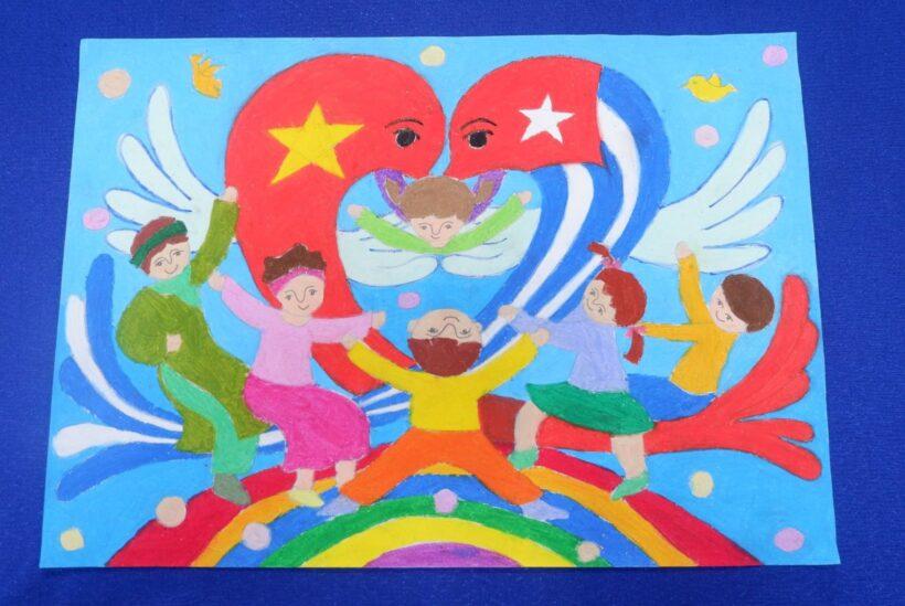 Vẽ tranh tình hữu nghị Việt Nam - Cuba đoàn kết gắn bó