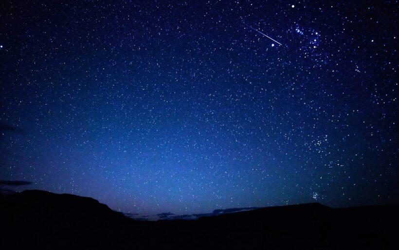 Ảnh bầu trời đêm đẹp đầy sao