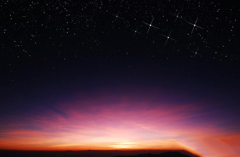 Ảnh bầu trời đêm đẹp lung linh ánh sao