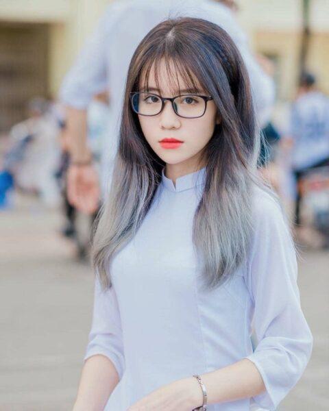 Ảnh gái xinh cấp 2-3 đeo kính đáng yêu