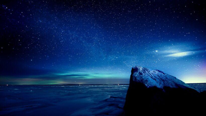Ảnh nền bầu trời đêm đẹp đầy sao cho máy tính