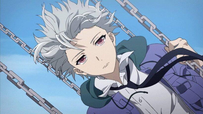 Hình ảnh anime tóc bạch kim đu xích đu