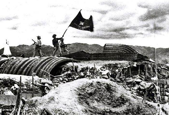 Hình ảnh cờ đỏ sao vàng Việt Nam ngày giải phóng